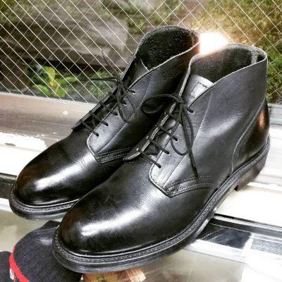 usnavy-chukka-boots