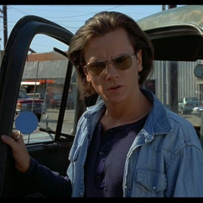 River-Phoenix-Command-sunglasses