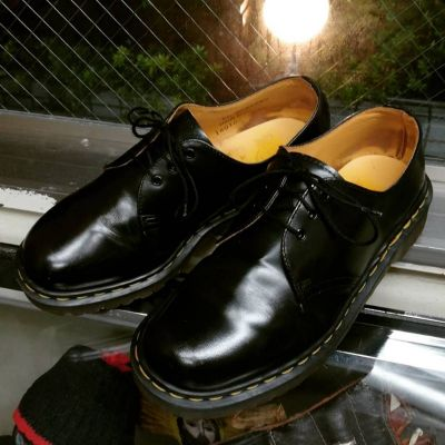 dr.martens-3hole-shoes-england