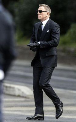 Daniel-Craig-monkstrap
