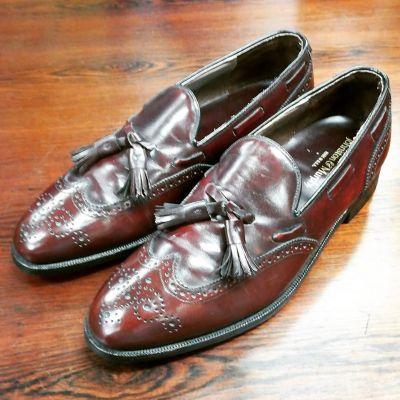 johnstonmurphy-tassel-wing-loafer
