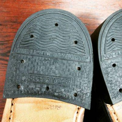 70s-service-shoes-newold-3