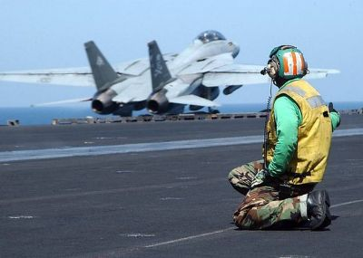 aircraft-carrier-soldier-3