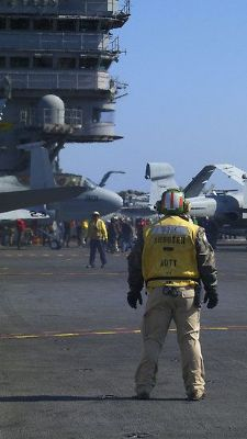 aircraft-carrier-soldier-8