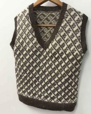 wool-knit-vest