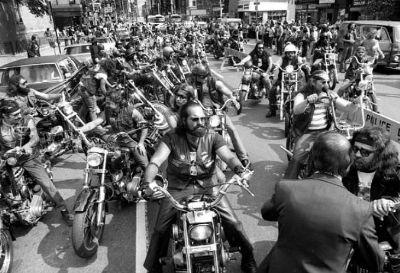 HELLS-ANGELS-bikers-2