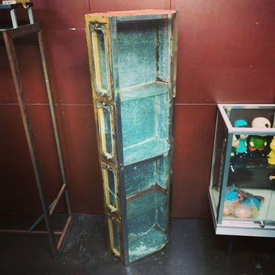 vintage-showcase