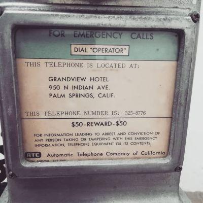 50s-public-phone-3