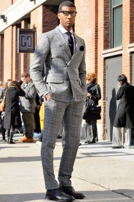 classic-menswear-pattern-peak-lapel-suit-brogue-smart_400